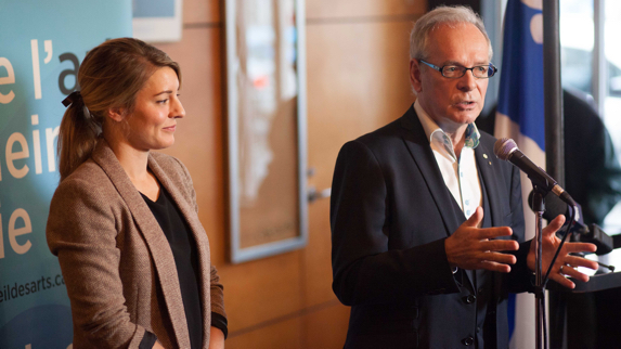 Mélanie Joly, Ministre du Patrimoine canadien et Simon Brault, Directeur et chef de la direction du Conseil des arts du Canada