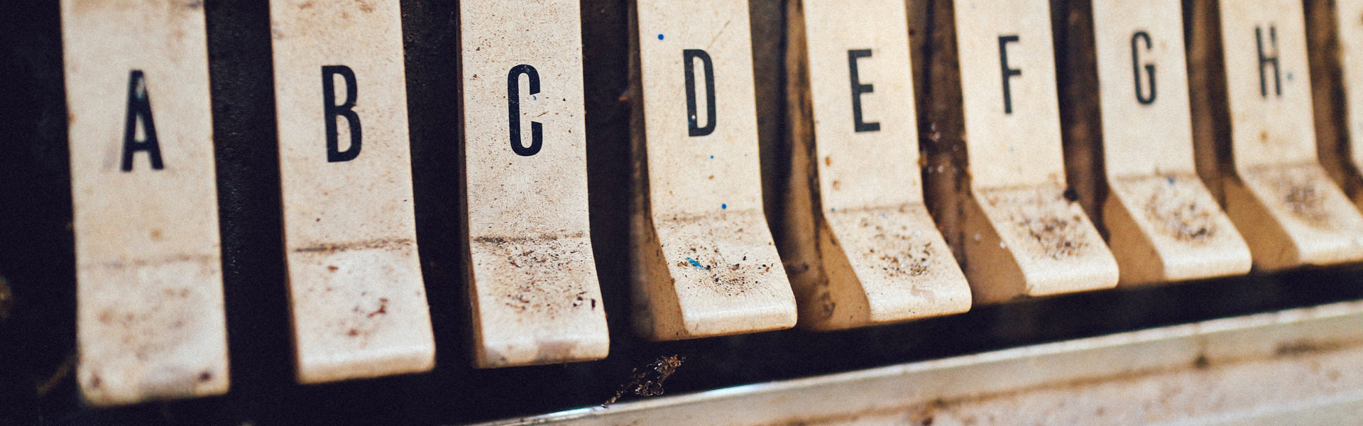 Lettres (de A à H) - bannière pour Langues officielles