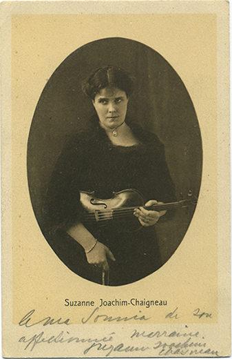 Suzanne Joachim-Chaigneau (avec son violon)